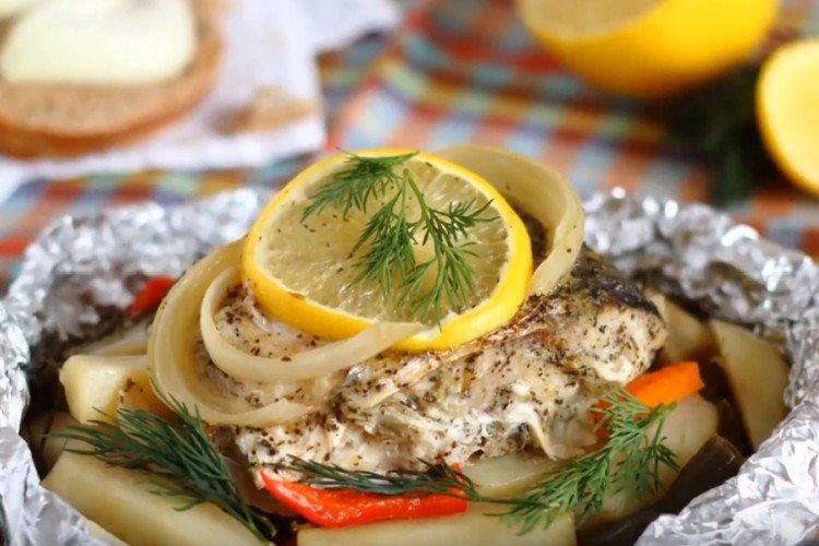 Рыба с картофелем в фольге
