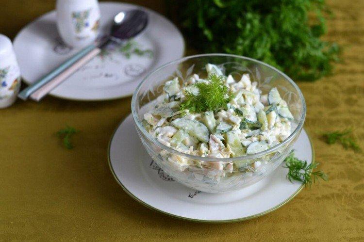 20 простых салатов из яиц и огурцов