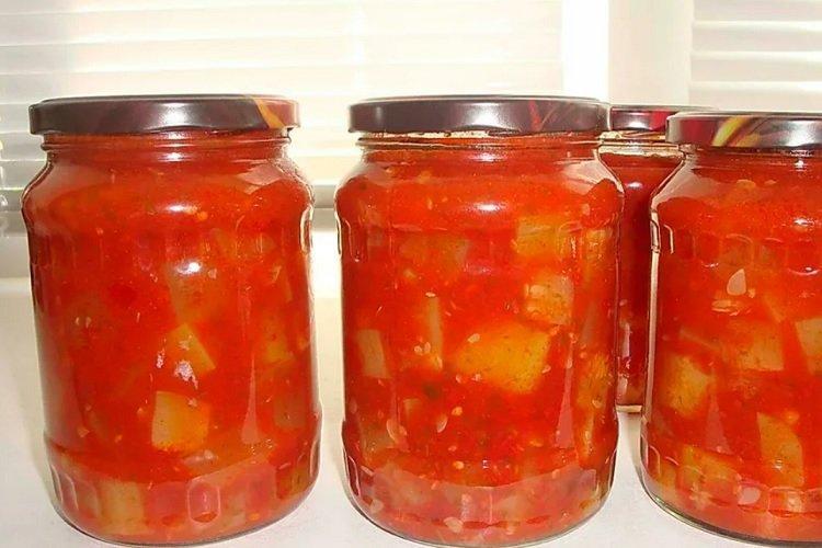 Кабачки, маринованные в томатном соусе