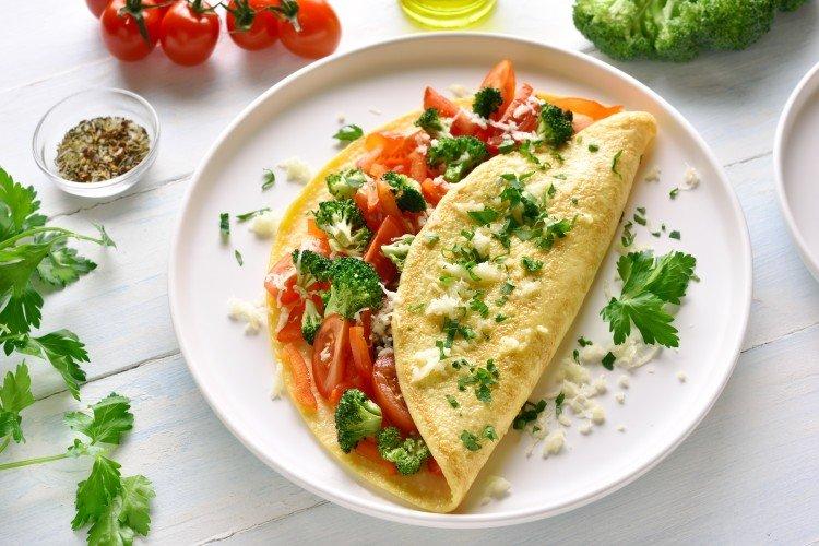 20 рецептов вкуснейшего омлета с помидорами