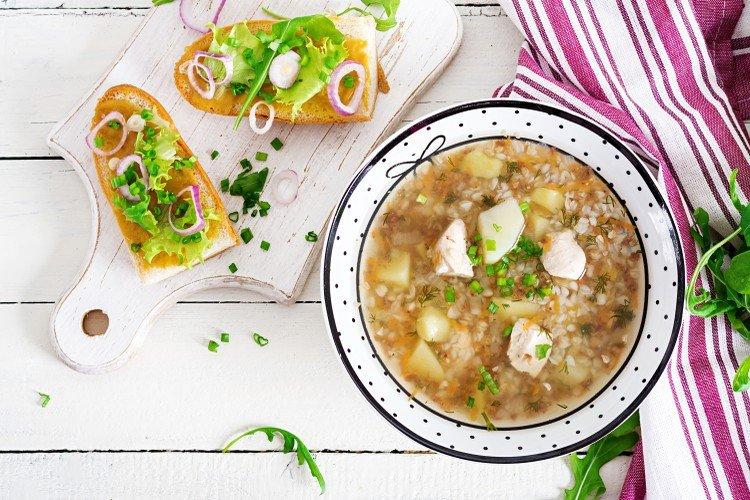20 гречневых супов, которые сделают обед незабываемым