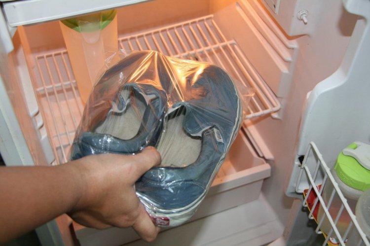 Заморозка - Как убрать запах из обуви в домашних условиях