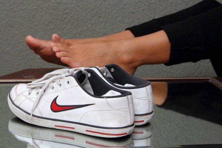 Как избавиться от запаха плесени в обуви