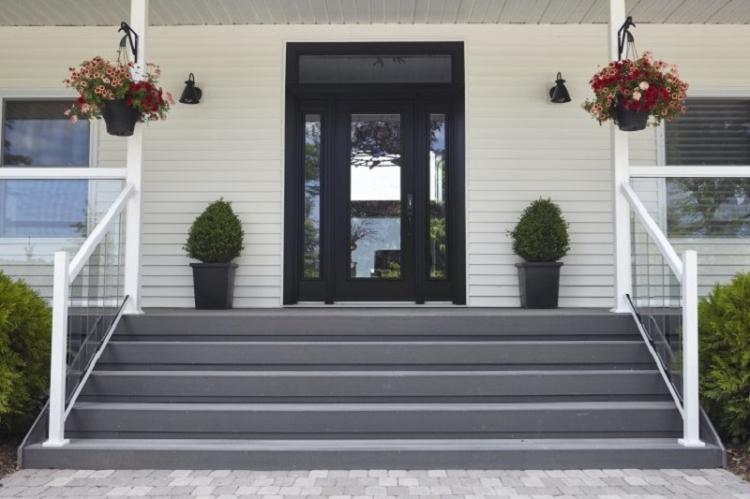 Как оформить крыльцо частного дома - Крыльцо из бетона