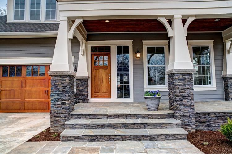 Как оформить крыльцо частного дома - Крыльцо из камня