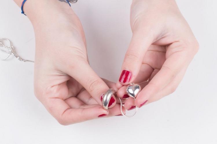 Чистим серебро в домашних условиях: 10 способов