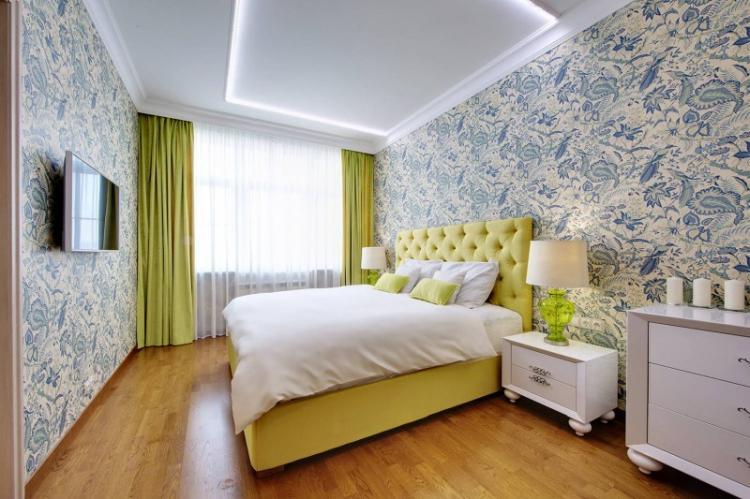 Как подобрать обои к мебели в спальне
