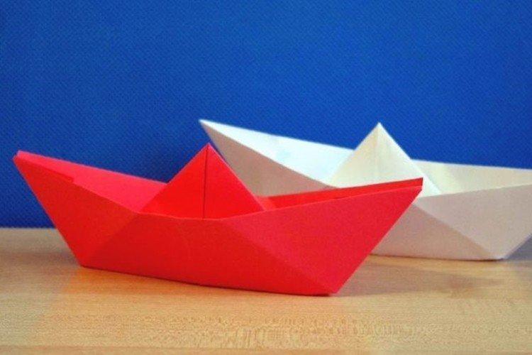 Классический бумажный кораблик своими руками