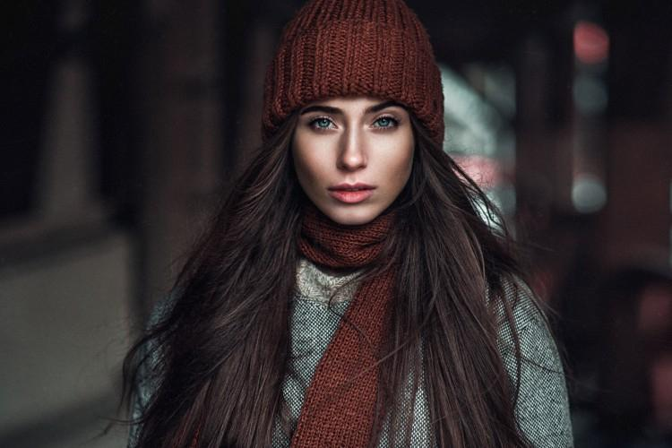 10 советов, как сохранить объем волос под шапкой
