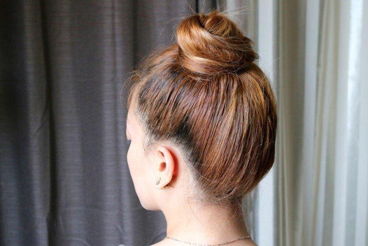 Высокие прически - Как сохранить объем волос под шапкой