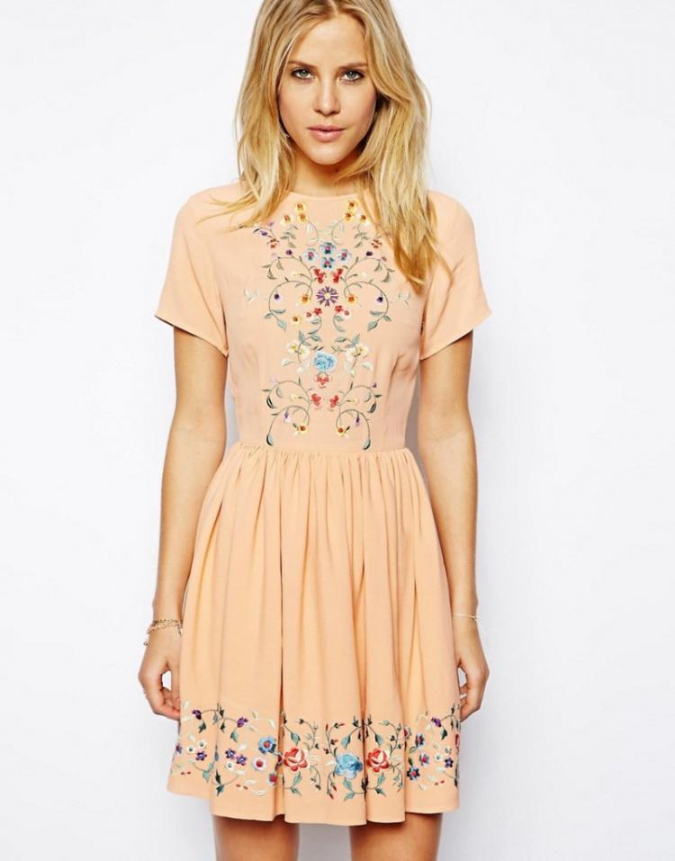 Вышивка - Как украсить платье своими руками