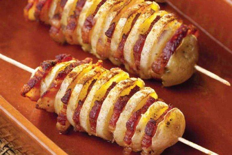Картофель спиралью с колбасой запеченный в духовке - рецепты