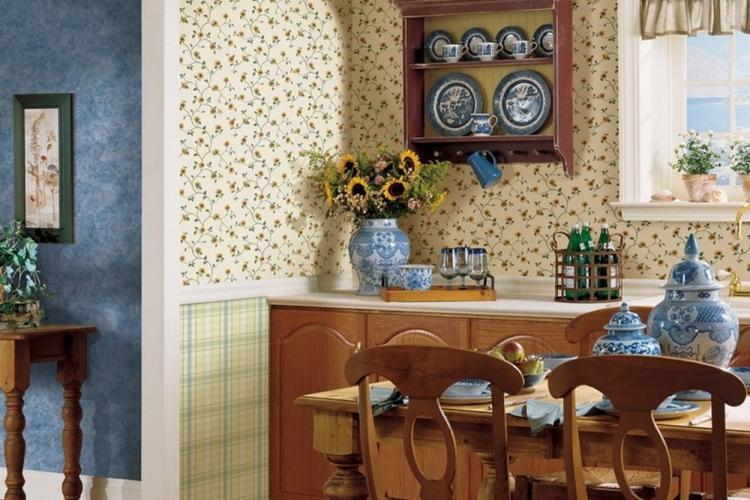 Вертикальное и горизонтальное комбинирование обоев на кухне