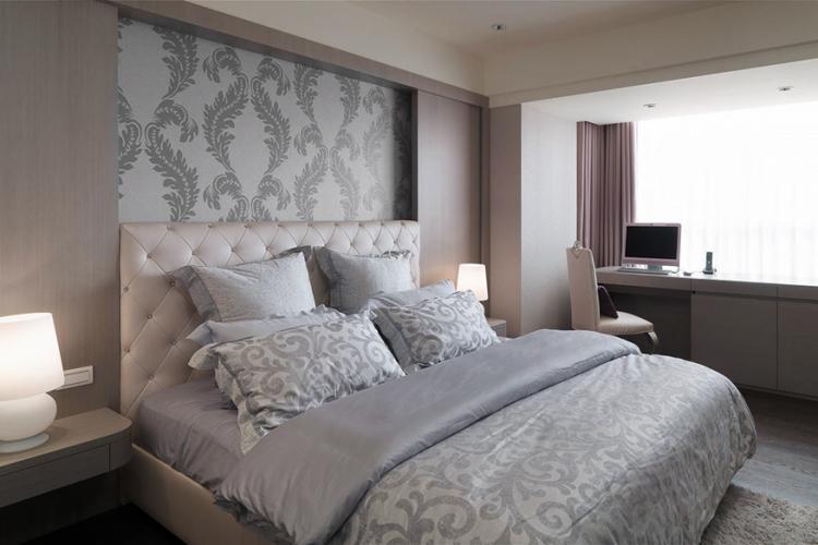 Настенные панно и ниши - Комбинирование обоев в спальне