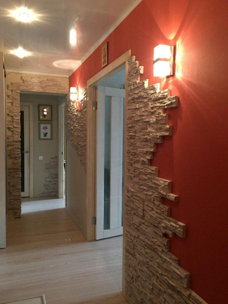 Красный цвет в интерьере прихожей и коридора - фото