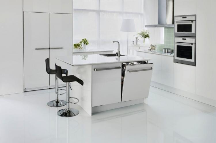 Остров с посудомоечной машиной - Кухня с островом