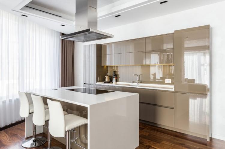 Кухни с островом - фото реальных интерьеров