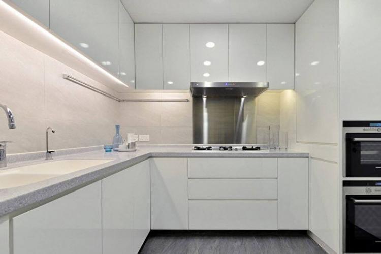 Белая кухня в стиле модерн - Дизайн интерьера