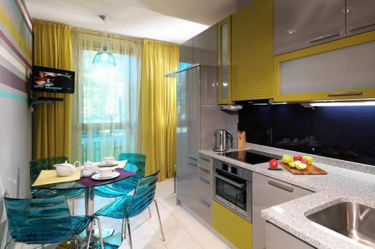 Шторы и текстиль - Дизайн кухни в стиле модерн