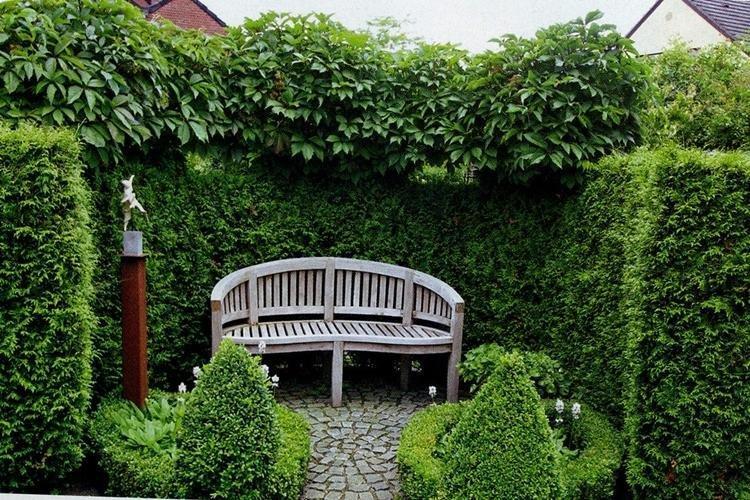 Скамейки и качели - Ландшафтный дизайн дачного участка фото