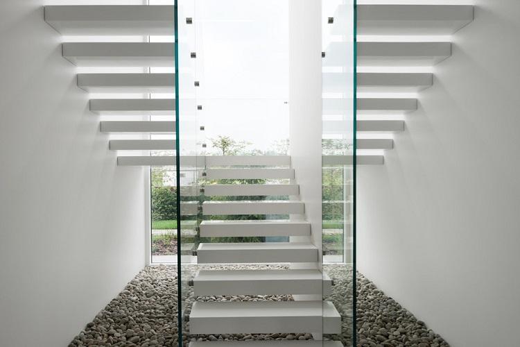 Современный стиль - Стиль и дизайн лестницы на второй этаж