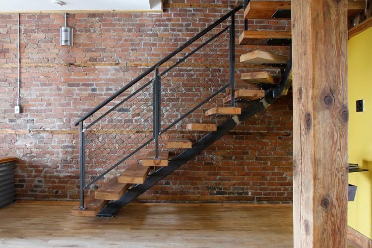 Лофт - Стиль и дизайн лестницы на второй этаж