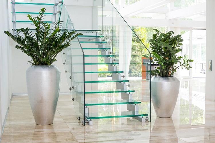 Где расположить лестницу на второй этаж