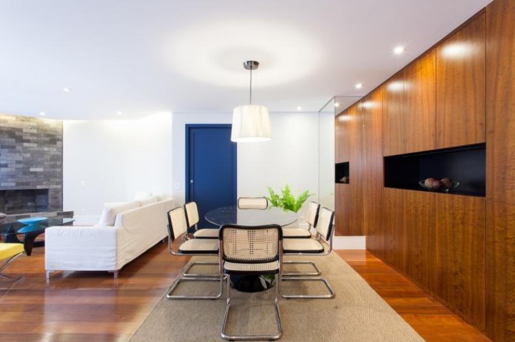 МДФ панели в гостиной - фото