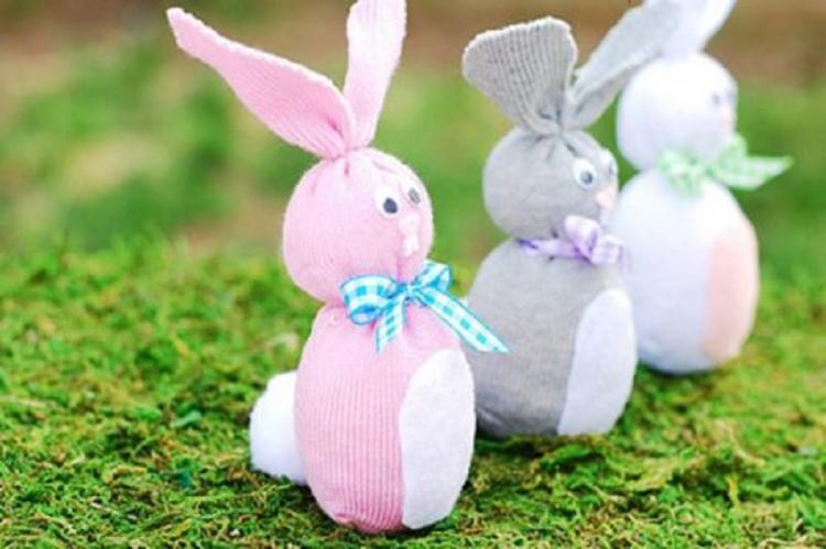«Зайка» из носка - Мягкие игрушки своими руками
