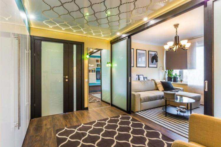 Натяжной потолок в прихожей (80 фото): идеи дизайна