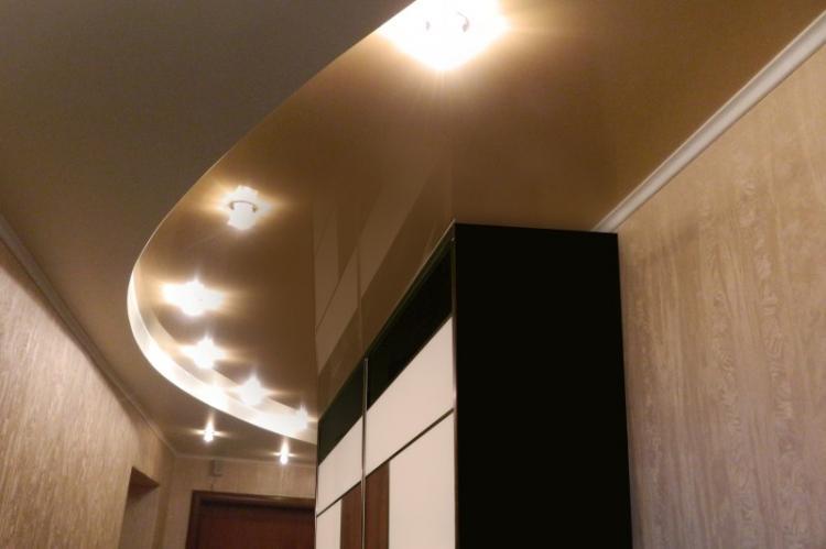 Натяжные потолки - фото