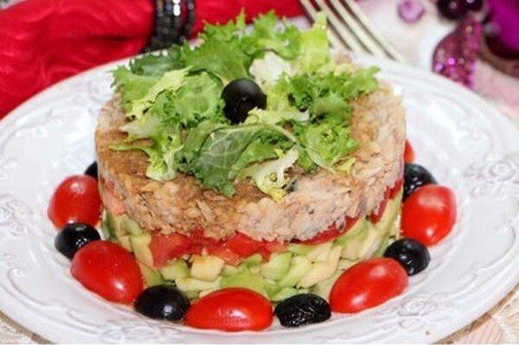Салат с горбушей и авокадо - Новогодние салаты без майонеза рецепты