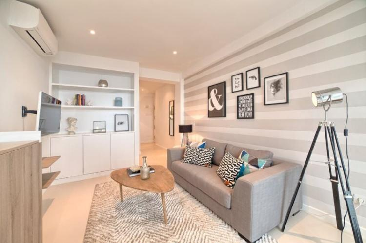 Рисунок и дизайн обоев для гостиной
