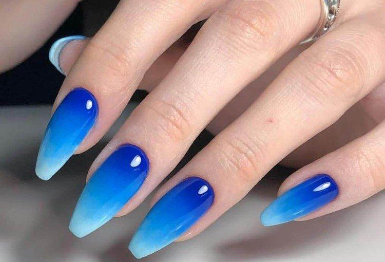 Омбре на длинных ногтях - фото