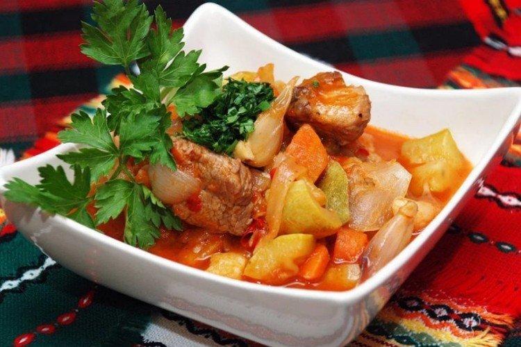 Рагу из овощей со свининой - рецепты