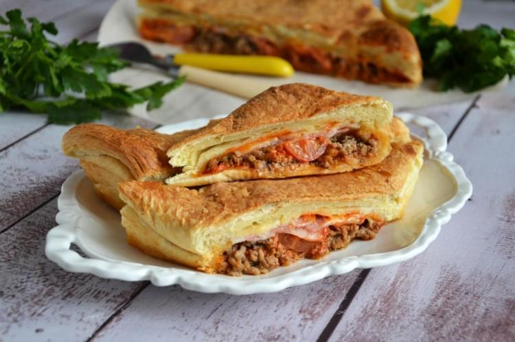 Пирог из слоеного теста: 15 вкусных рецептов приготовления