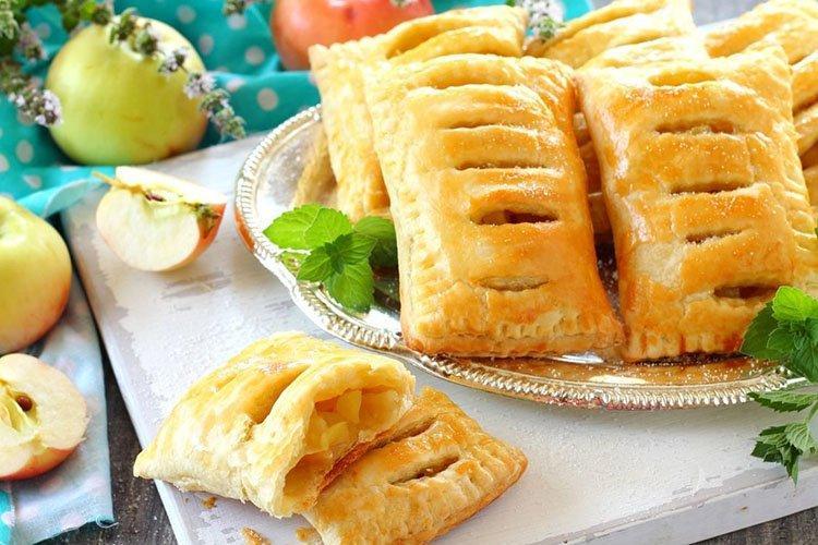 Слоеные пирожки с яблоками - рецепты