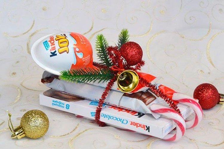 Конфетные сани Санты - Подарки на Новый год 2020 своими руками