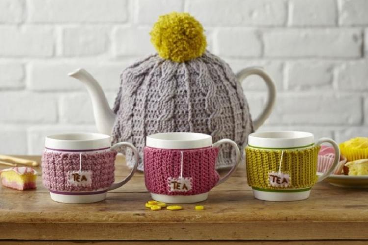 Вязаные чехлы для чашек - Идеи подарков на день рождения своими руками