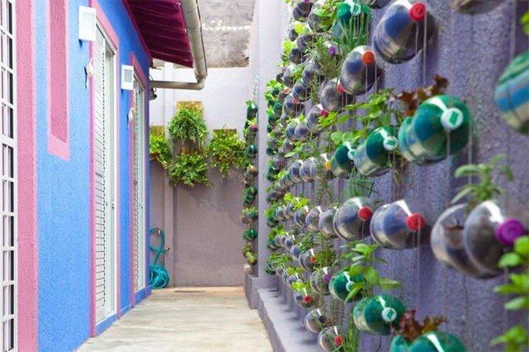 Зеленая стена - Поделки из пластиковых бутылок своими руками