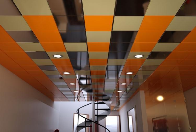 Кассеты - Виды подвесных потолков