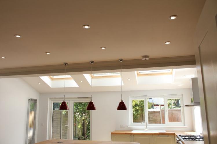 Подвесные светильники - Подсветка потолка из гипсокартона на кухне