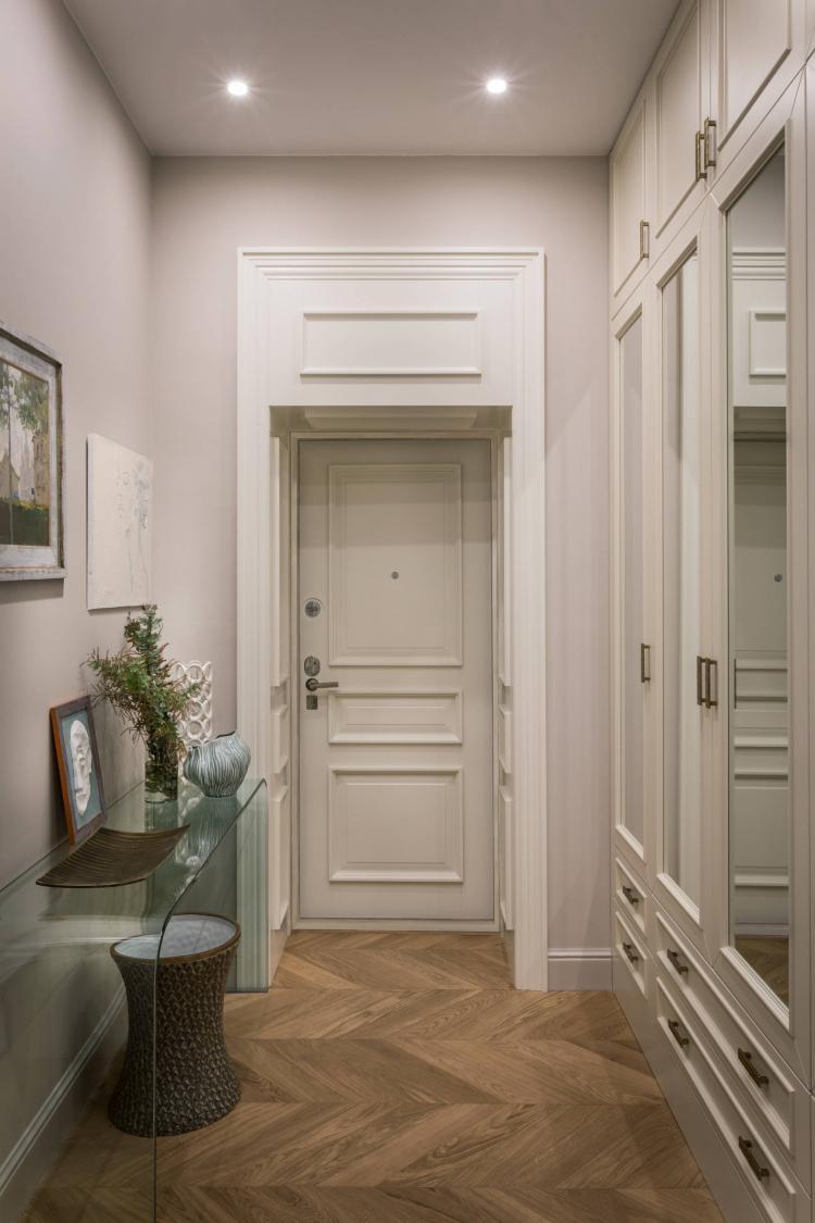 Розовая прихожая в классическом стиле - Дизайн интерьера
