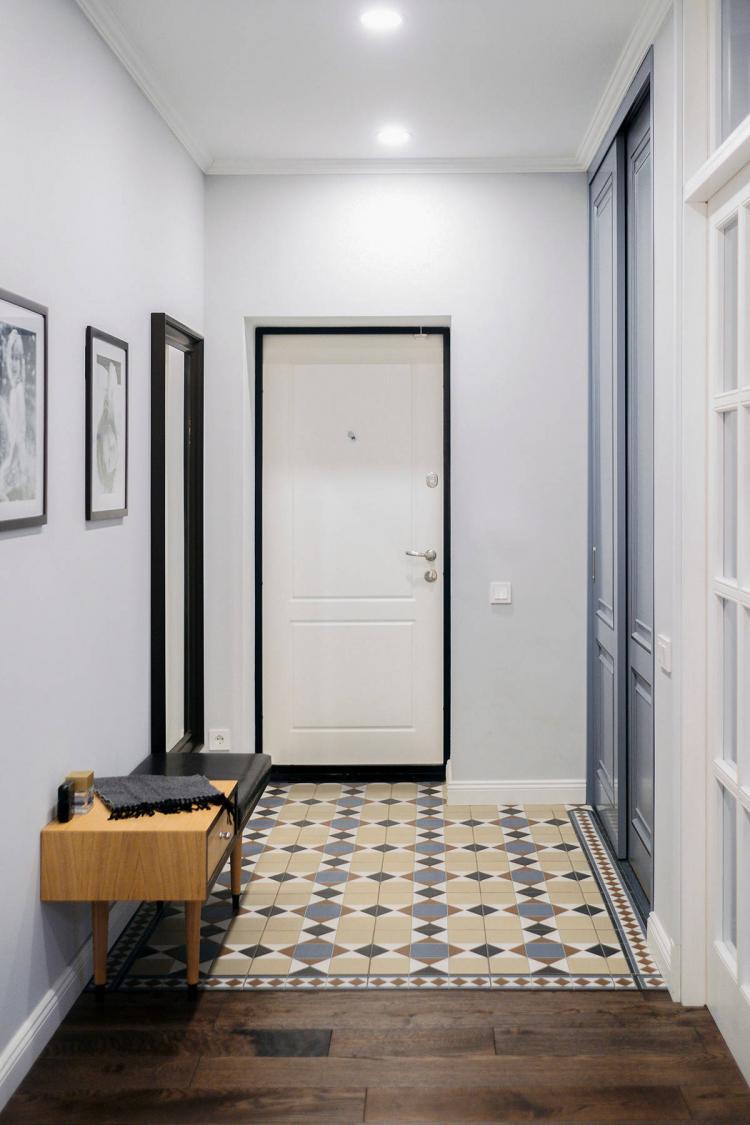 Отделка потолка - Дизайн прихожей в классическом стиле