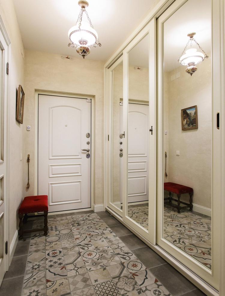 Дизайн прихожей в классическом стиле - фото реальных интерьеров