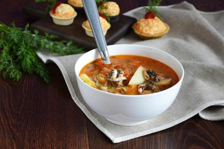Щи «Золотая рыбка» - Рыбный суп из консервов рецепты