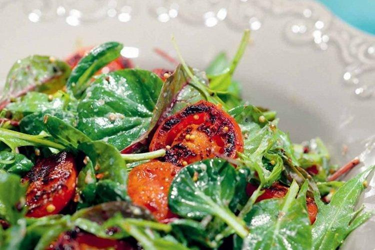 Салат с обжаренными томатами - Салаты без майонеза рецепты