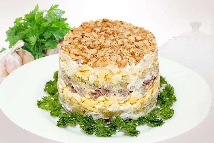 Салат Обжора на день рождения - рецепты