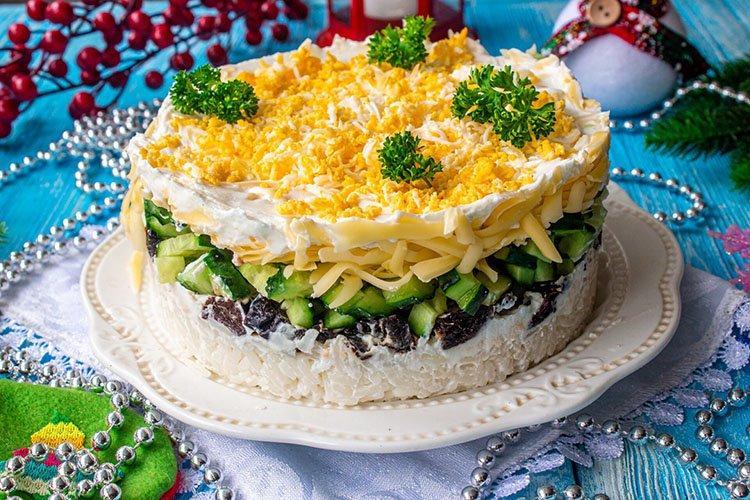 Мясной салат с черносливом - рецепты