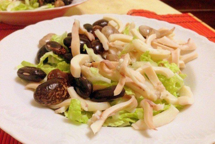 Салат с кальмарами и фасолью - рецепты